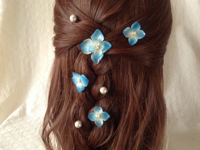 染め花を樹脂加工したアジサイのスパイラルヘアピンセット・パールUピン付(ブルー)