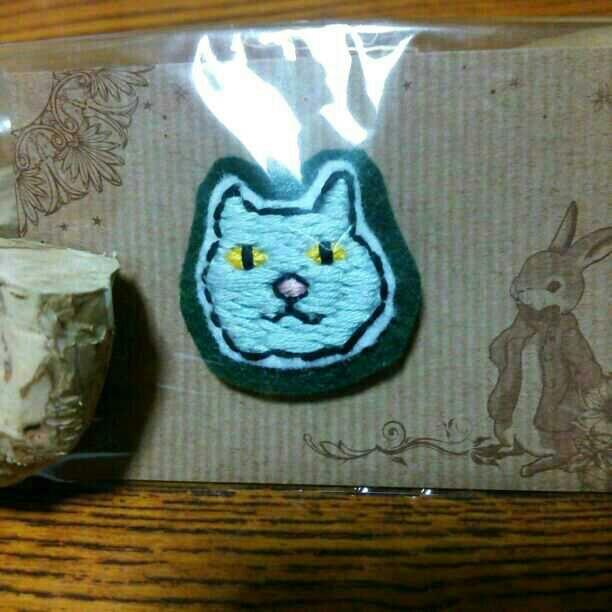 ねこブローチ☆刺繍☆ハンドメイド☆ブサカワ☆