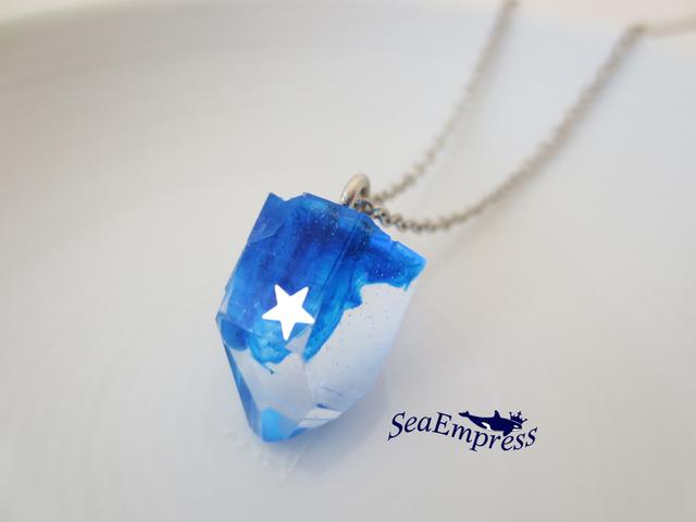 シルバー星と青い鉱石ネックレス