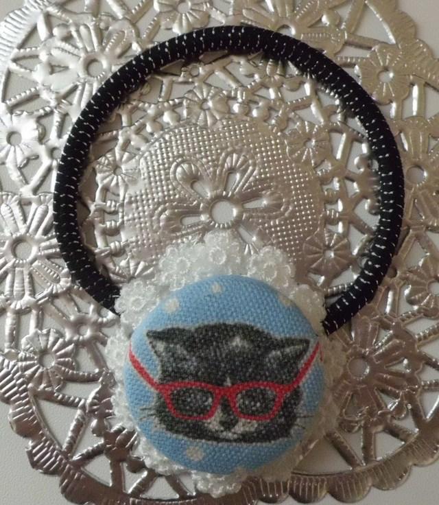 メガネをかけた猫のヘアゴム