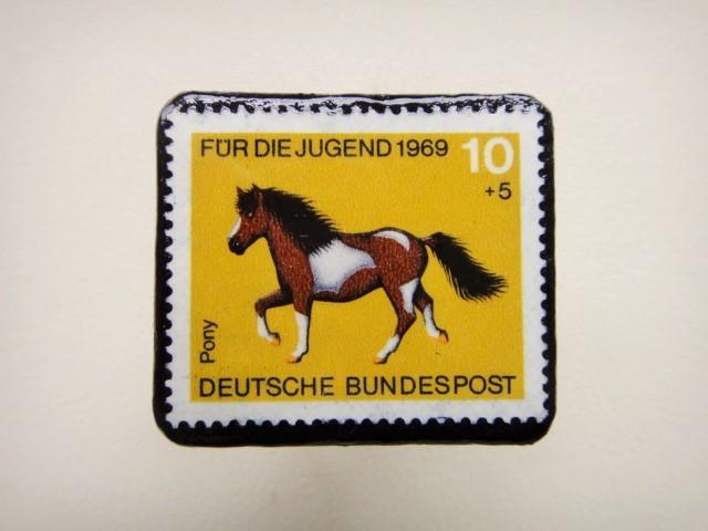 ドイツ 馬切手ブローチ1259