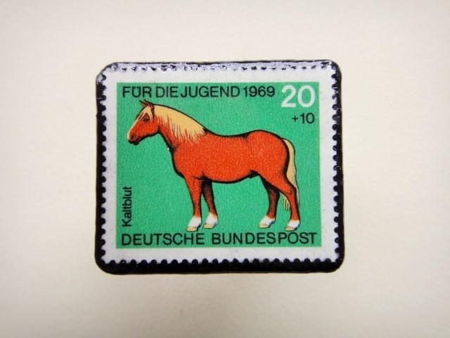 ドイツ 馬切手ブローチ1260