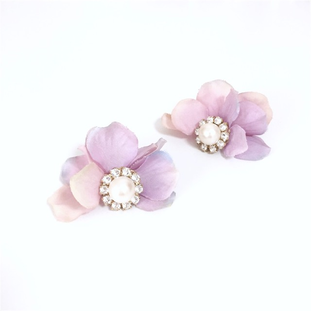 pearl bijoux��petal catch pierce/earring?mauve mix