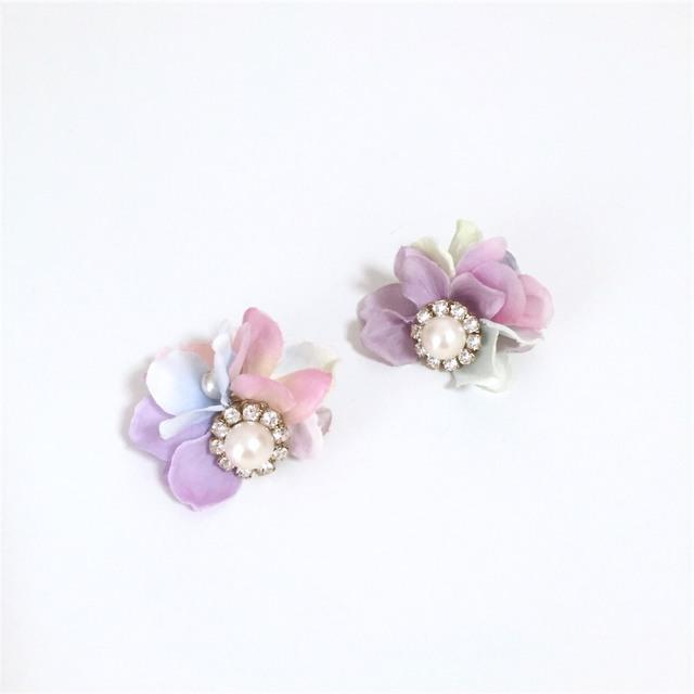 pearl bijoux��petal catch pierce/earring?tweet dreams��