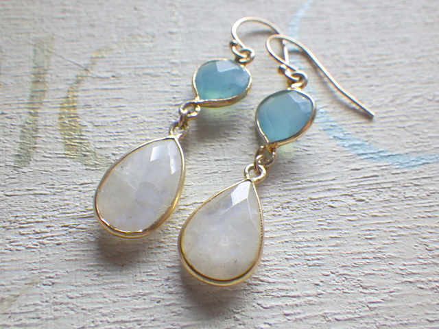 chalcedony and moonstone  14kgf