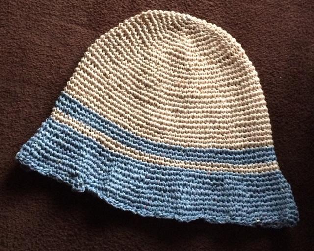 細編みの帽子