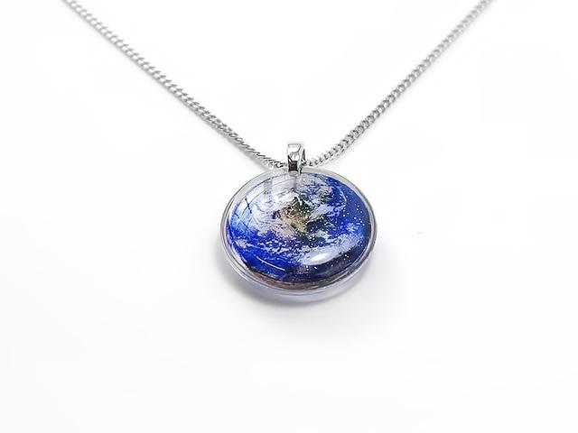 ★小粒な地球のネックレスB