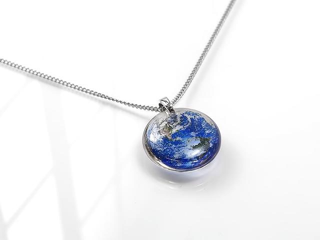 ★小粒な地球のネックレスA