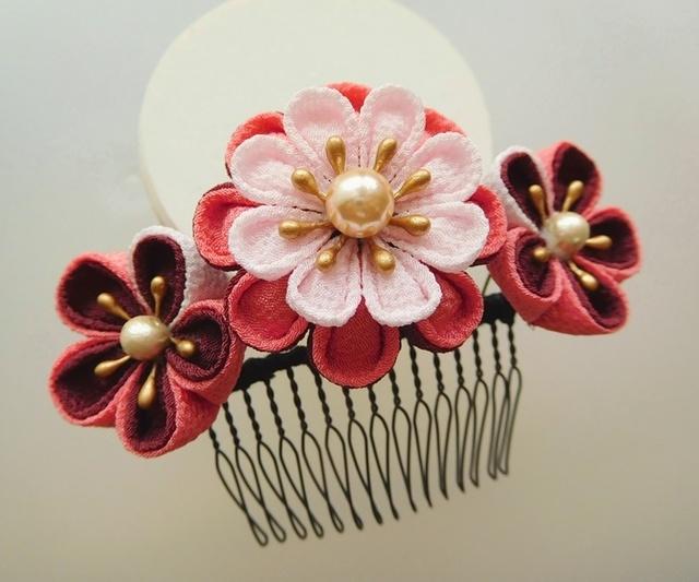 あずき色×ピンク 丸花びら3輪のコーム #つまみ細工 浴衣や着物に