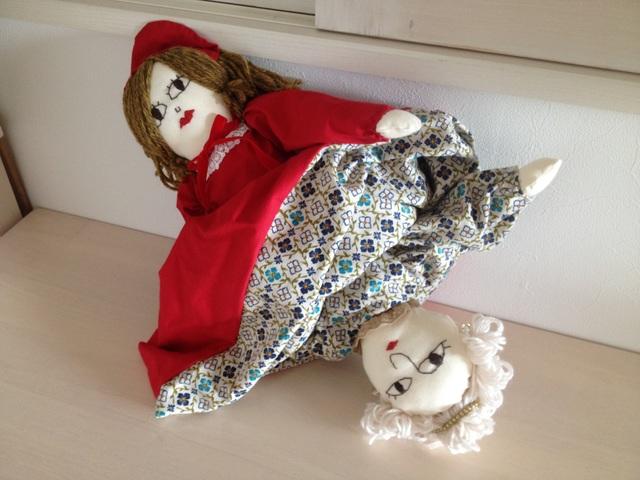 赤ずきんとおばあさんの変身人形