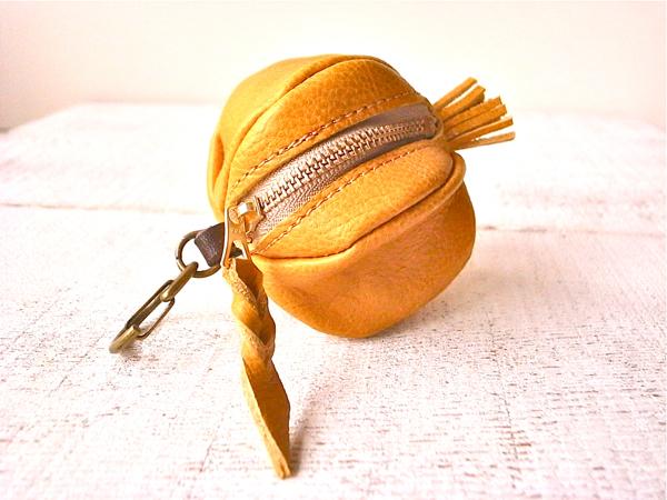 【受注製作(納期約2週間)】ヌメ革コインケース「granada」ダンデライオン
