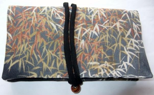 着物リメイク 縮緬の着物で作った和風財布 1574