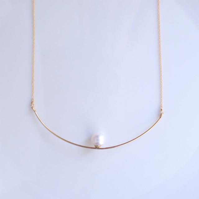 再販】大粒淡水真珠のバーネックレス 〜Ernestine