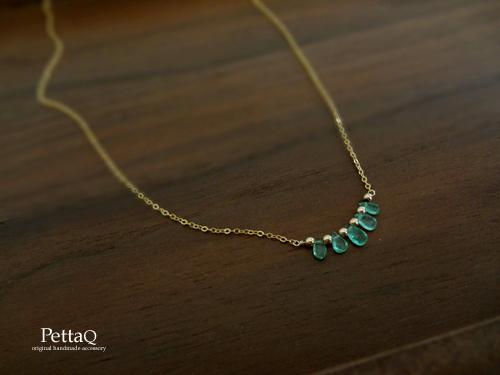 【14KGF】宝石質エメラルドのフリルネックレス