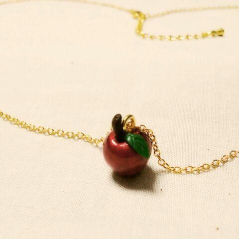 白雪姫の林檎ネックレス