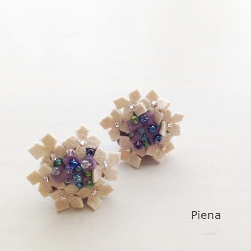 とっても軽い紫陽花のピアス 紫
