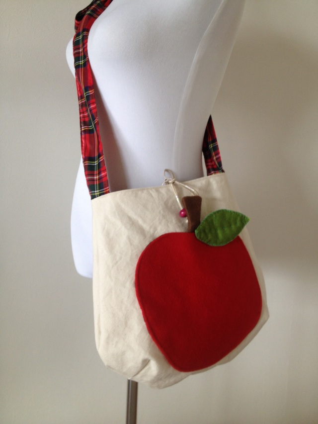 『《Iさまオーダー』りんごのショルダーバッグ