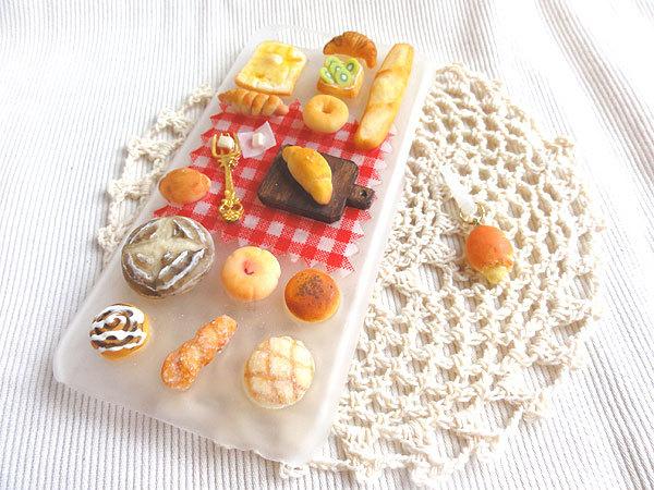 【iphone6用】まんぷくパン屋さんケース