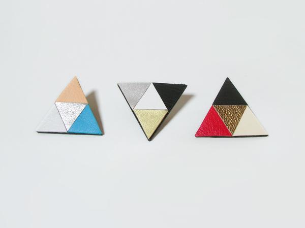 (再販)正三角形のカラフル革ブローチ