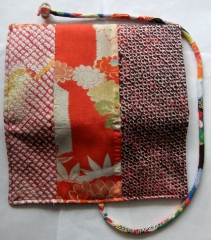 着物リメイク 絞りと花柄の着物で作った和風財布 1581