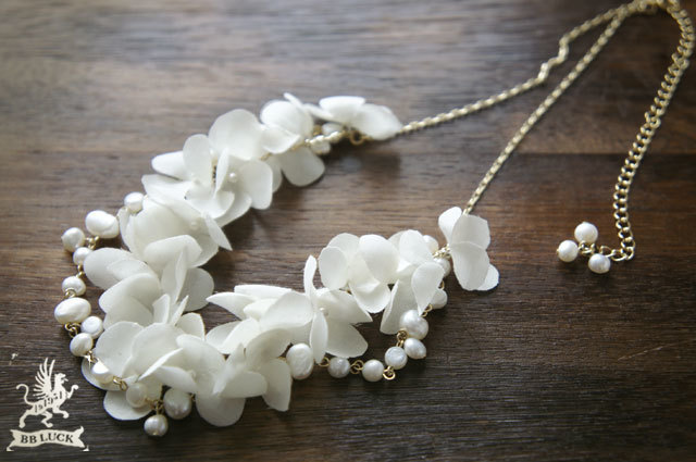 necklace  【 紫陽花と淡水パールの2連ネックレス * off white 】