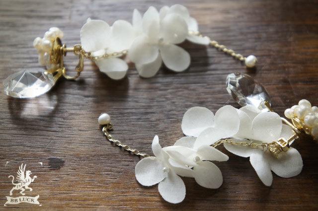 earring  【 紫陽花と淡水パールのロングイヤリング * off white 】