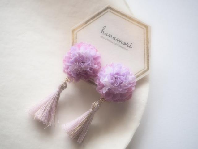 お花×タッセルのイヤリング パープル