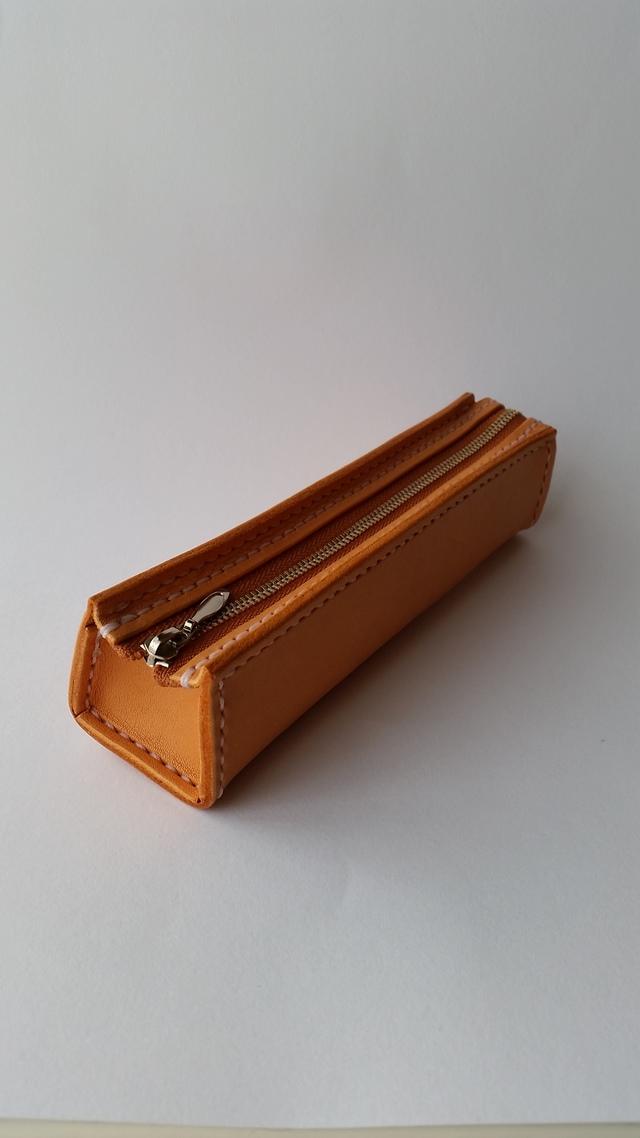 ラティーゴレザーのペンケース
