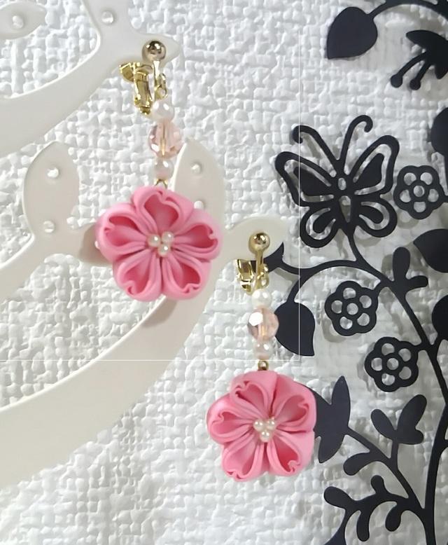 つまみの桜ピアス