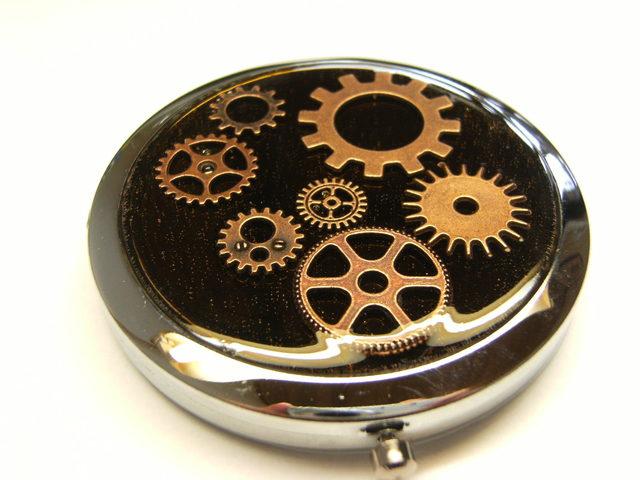 歯車のコンパクトミラー(丸型)
