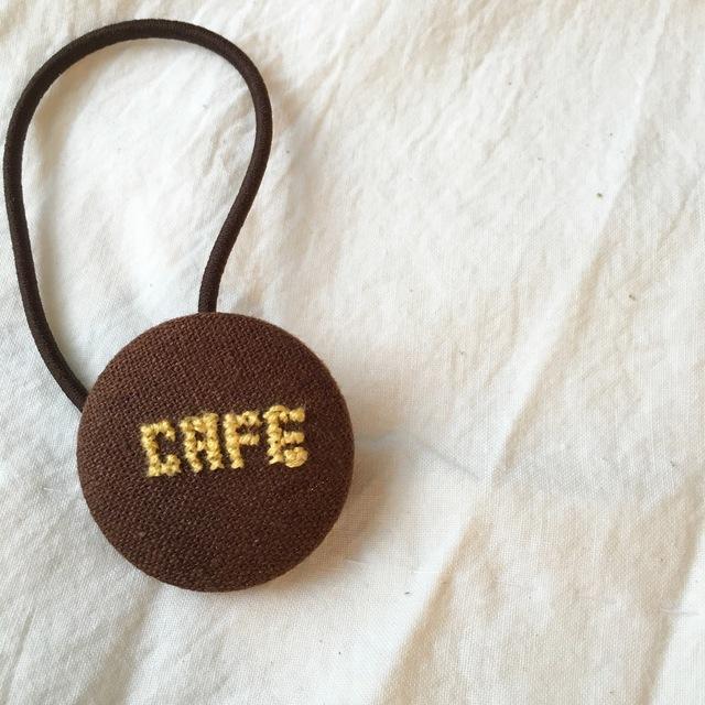 「CAFE」刺繍の髪留め。(ot-k-015)