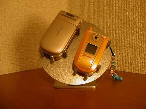 ダブル携帯電話スタンド