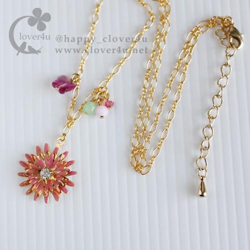 ピンクのガーベラと蝶のネックレス/n274