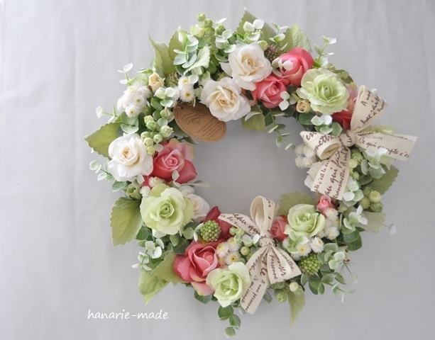 Rose rose wreath:Vanilla,green&red