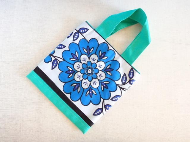 アフリカンカンガ*休日のお散歩バッグ(青い花#)