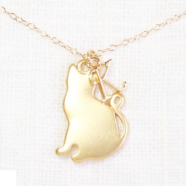 送料無料【14kgf】猫ネックレス・イニシャル&ねこチャーム