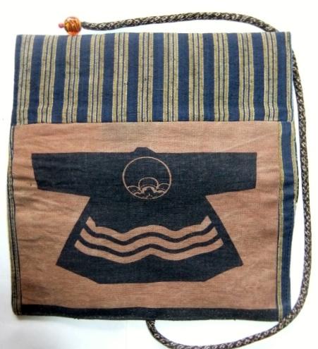 着物リメイク 袴と半纏柄で作った和風財布 1601