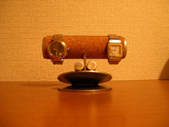 変な顔の腕時計スタンド