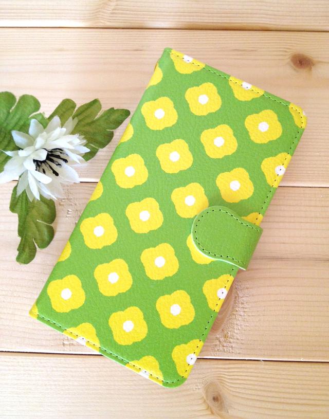 送料込?手帳型黄色の小花スマホケース