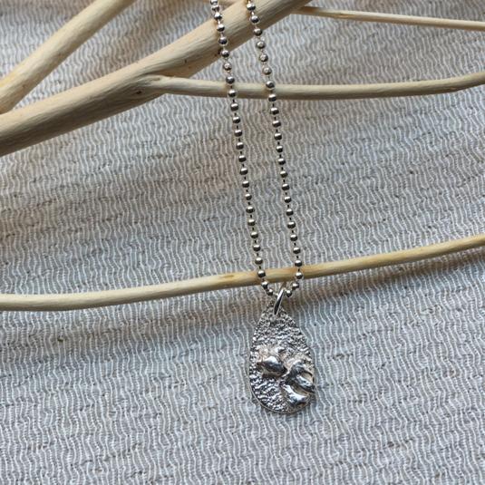 純銀 金魚のネックレス