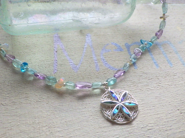 Paua Shell flower necklace sv925