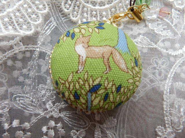 やさしい森の動物マカロン 小型(天然石の飾り付)