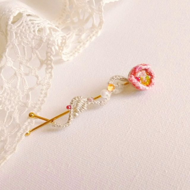 刺繍の花びらヘアピン*ピンク