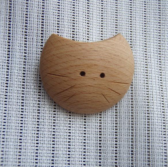 月猫ブローチ(Lサイズ−白猫)