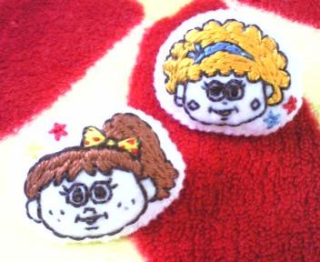 アメリカンガール☆刺繍ブローチ(2個組)