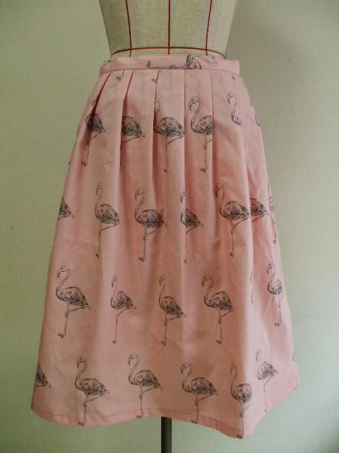 前&後ろ7本タック入りAラインスカート 65cm丈 Sサイズ 綿100% ピンク地×フラミンゴ柄 受注生産