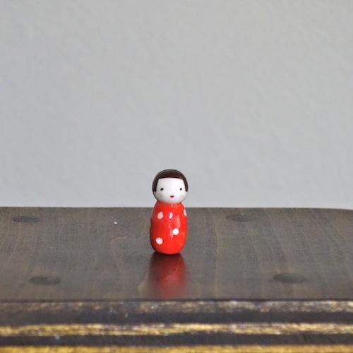 水玉こけしのフェーブ(赤)