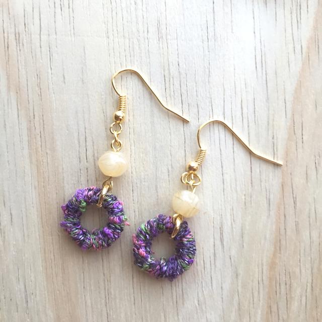 糸巻きリングのピアス〜紫
