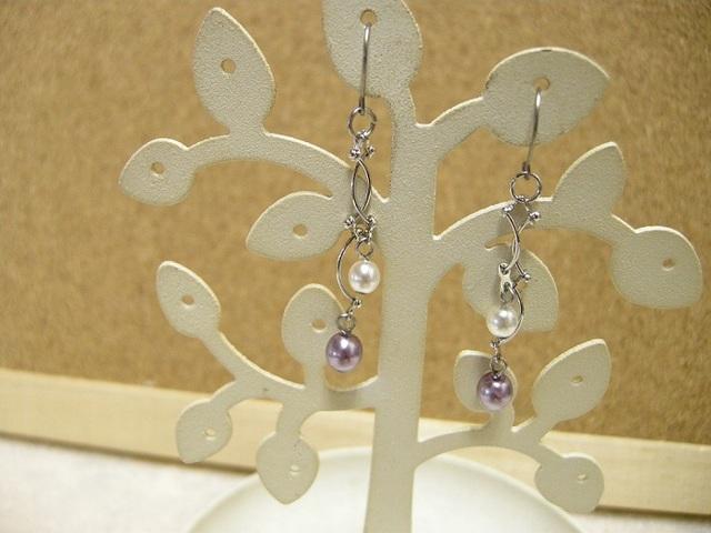 *パールとツイストチェーンのピアス 紫×白ver.*