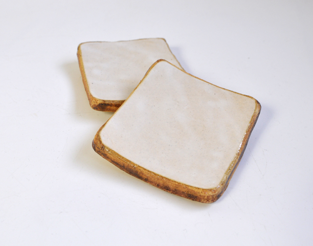 厚切り角型食ハ?ン(フ?ルマンフ?レット?)の小皿
